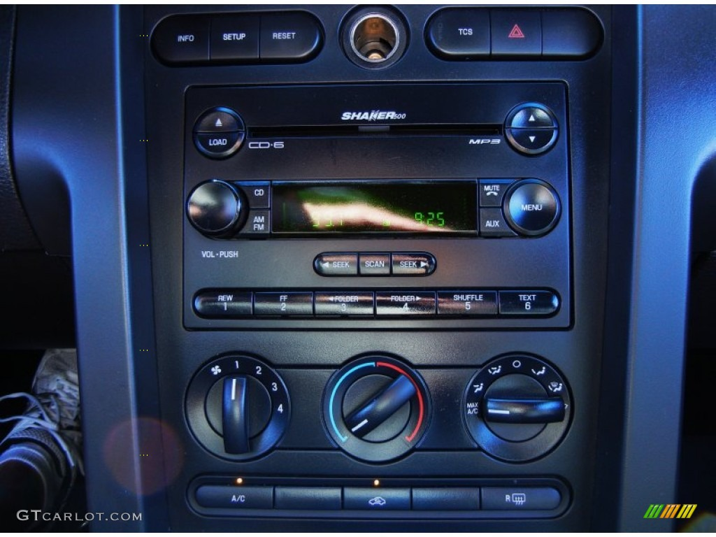 2006 Ford Mustang Shelby GT-H Coupe Controls Photo #51884492