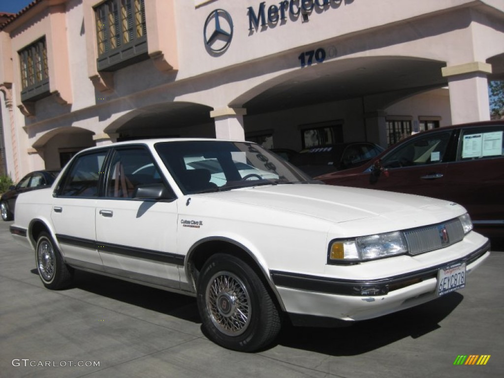 1992 Bright White Oldsmobile Cutlass Ciera S #51856377 Photo #16 ...