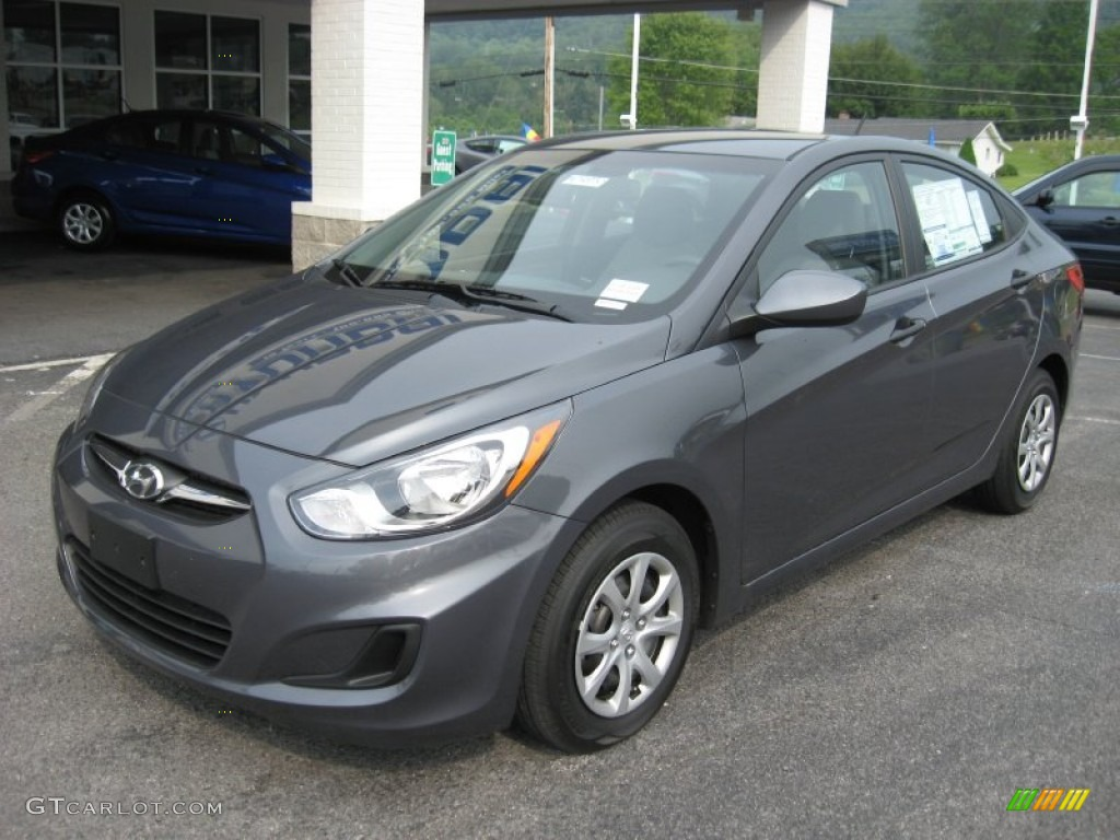 Cyclone gray 2012 hyundai accent gls 4 door exterior photo 52005111 for Accent colors for gray exterior