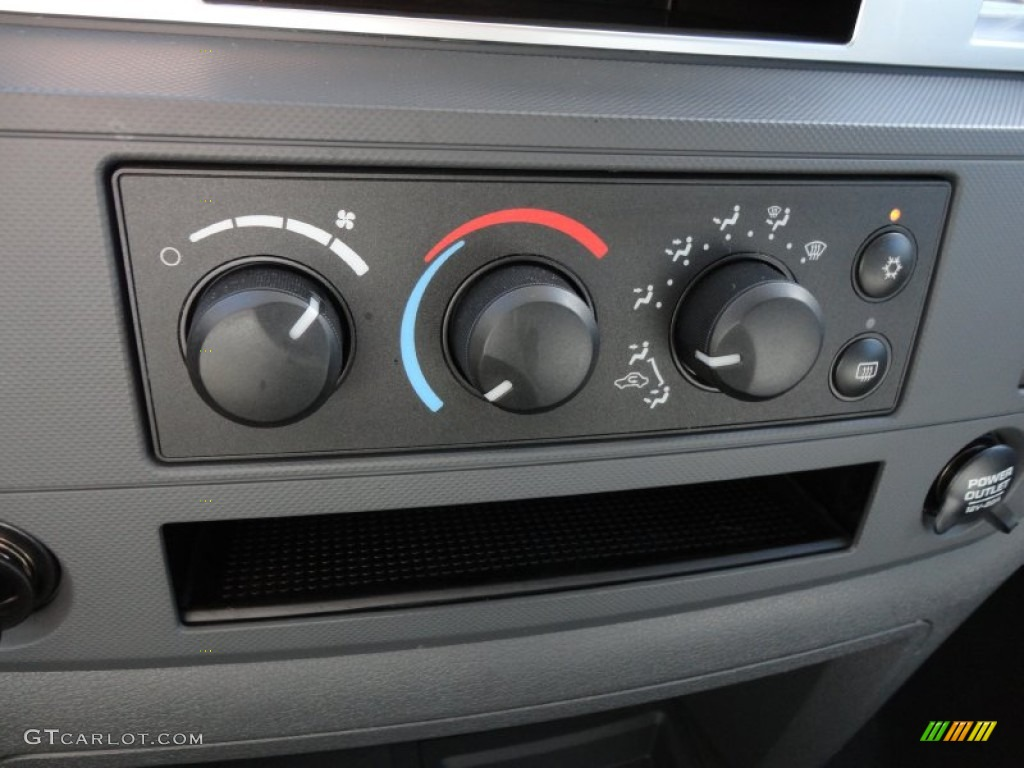 2007 Dodge Ram 1500 SLT Mega Cab 4x4 Controls Photos