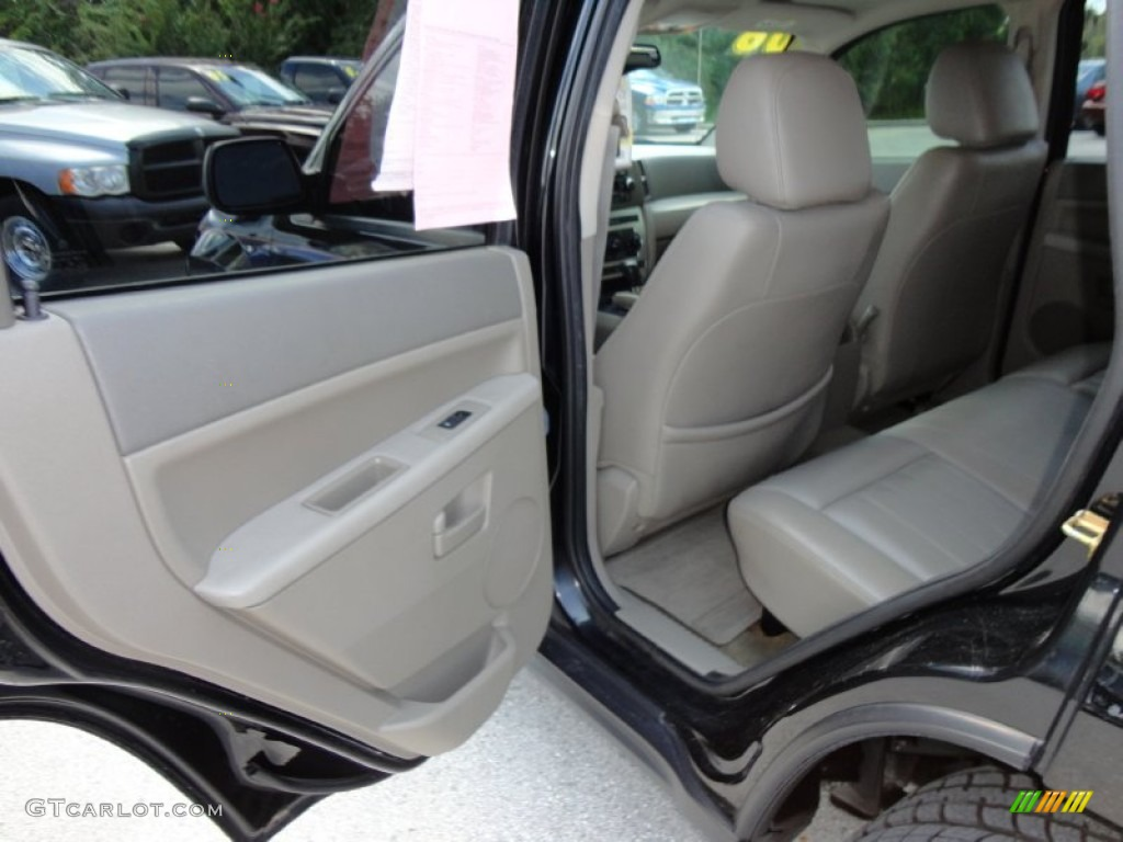 Dashboard 46928426 together with 2015 Jeep Renegade Small But Rough Rugged Raw likewise New 2013 Chevrolet Malibu Ls For Sale also Undercarriage 72936598 also Exterior. on jeep steering controls