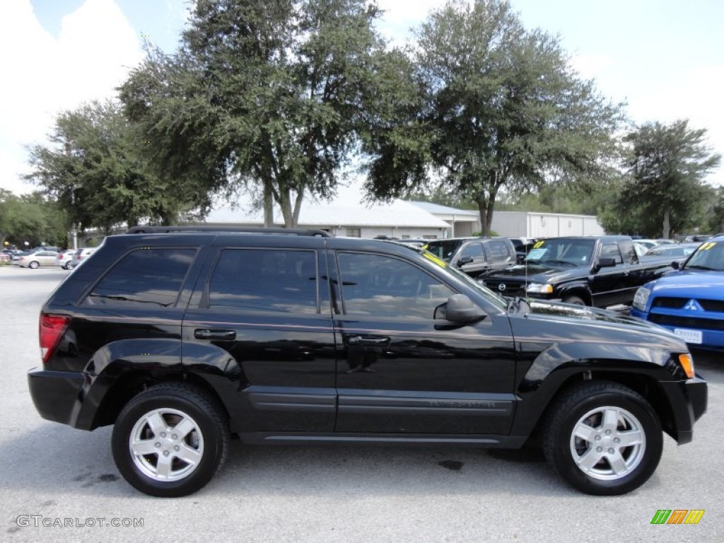 black 2006 jeep grand cherokee laredo exterior photo 52052063. Cars Review. Best American Auto & Cars Review