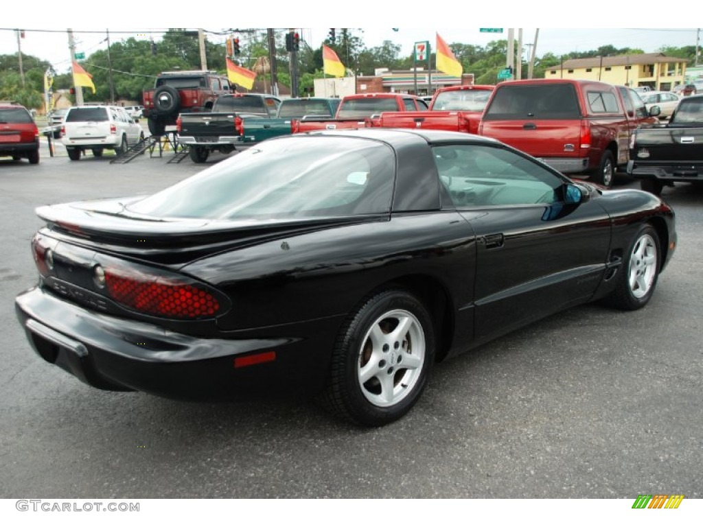 1999 pontiac firebird with Exterior 52088936 on Cars together with Watch likewise 25 Cabriolets A Prix Abordable additionally 1983 PONTIAC FIREBIRD TRANS AM COUPE 93538 additionally 1999 Honda Prelude Cambelt Change.