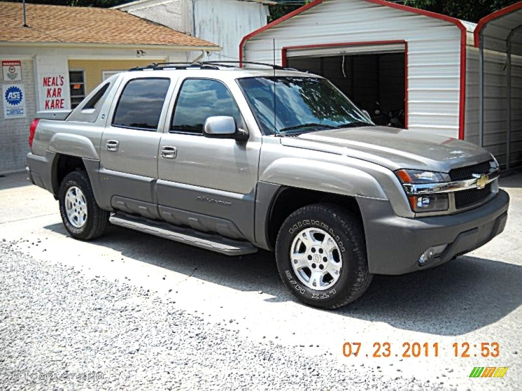 2002 light pewter metallic chevrolet avalanche the north. Black Bedroom Furniture Sets. Home Design Ideas