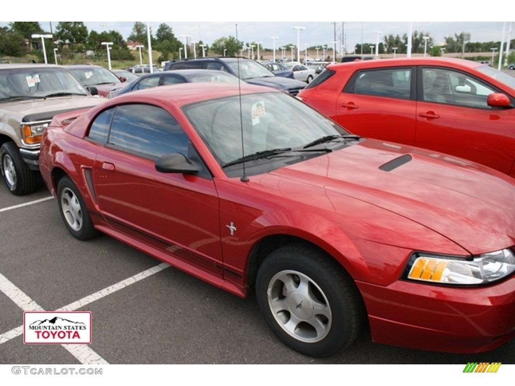 2000 Mustang V6 Coupe - Laser Red Metallic / Medium Graphite photo #1