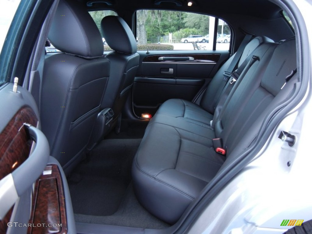 Black Interior 2011 Lincoln Town Car Signature Limited Photo