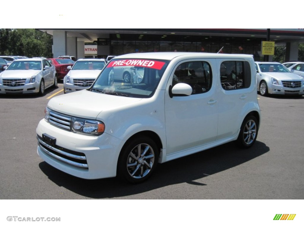 2010 white pearl nissan cube krom edition 52200921 gtcarlot 2010 cube krom edition white pearl light gray photo 1 vanachro Choice Image