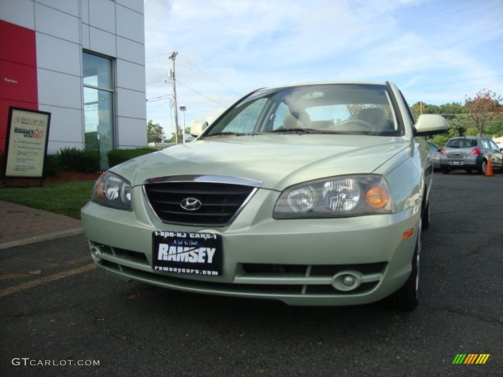 2004 sea shell green hyundai elantra gls sedan 52200861. Black Bedroom Furniture Sets. Home Design Ideas
