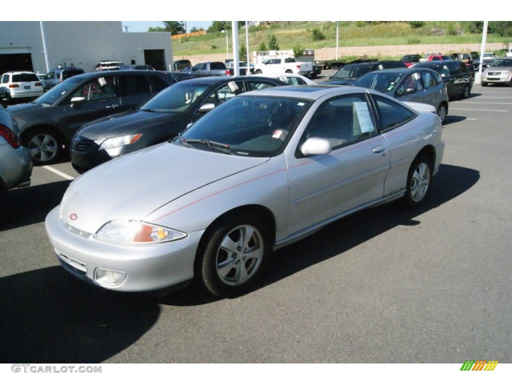 ultra silver metallic 2002 chevrolet cavalier z24 coupe exterior photo. Cars Review. Best American Auto & Cars Review