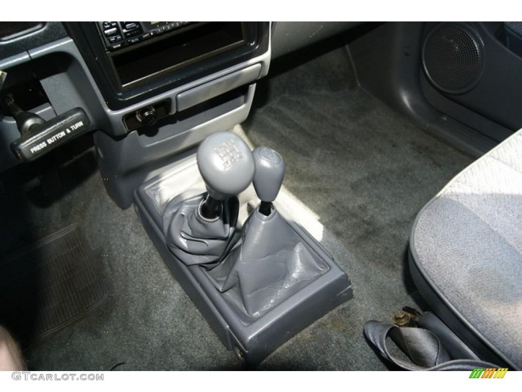 1997 Toyota Tacoma V6 Extended Cab 4x4 5 Speed Manual Transmission Photo  #52321287