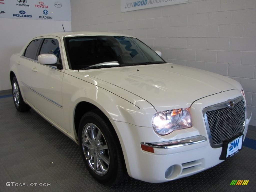 2008 300 Limited AWD - Stone White / Dark Slate Gray photo #1