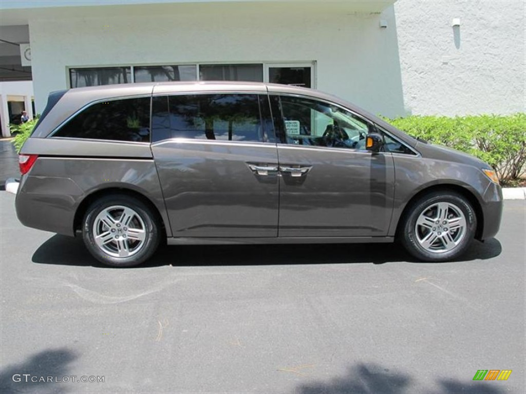 2011 Odyssey Touring Elite   Smoky Topaz Metallic / Truffle Photo #2