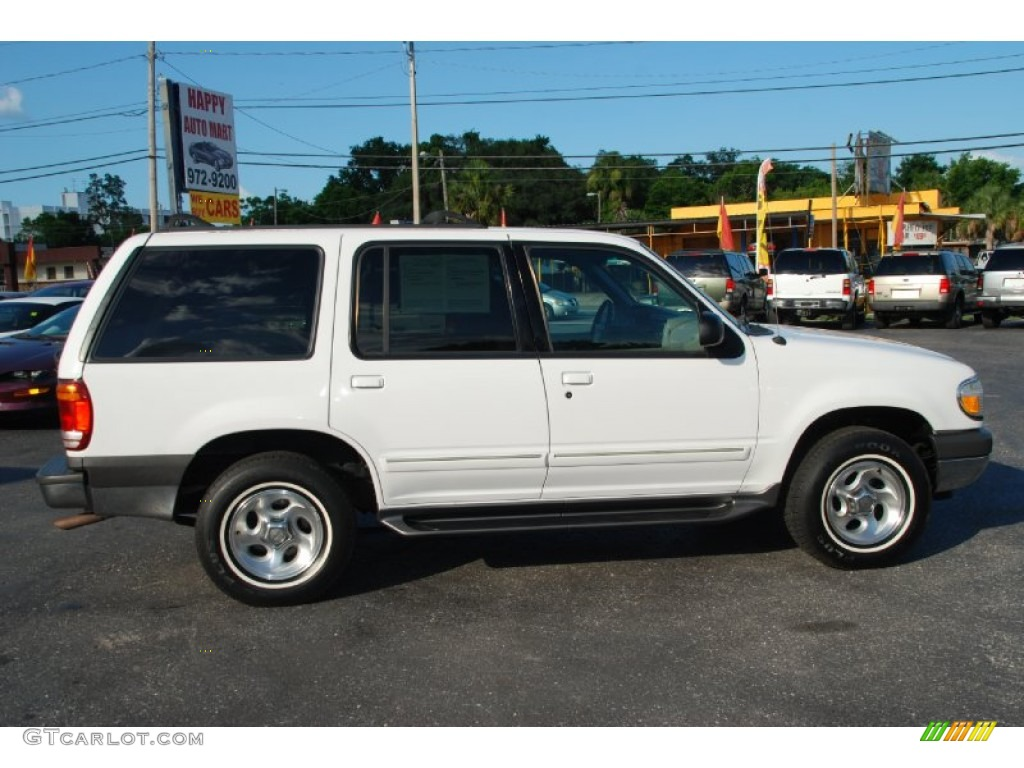 Oxford White 2000 Ford Explorer Xlt Exterior Photo