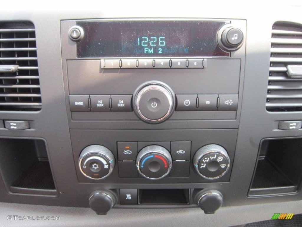 2011 Chevrolet Silverado 1500 Regular Cab 4x4 Controls Photo #52381531