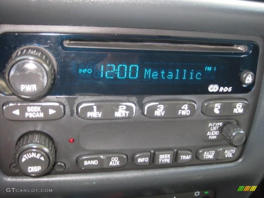 2003 Chevrolet Cavalier LS Coupe Controls Photo #52402971