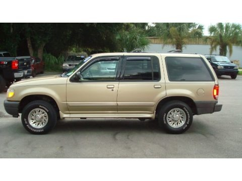 2000 Ford Explorer XLS Data, Info and Specs