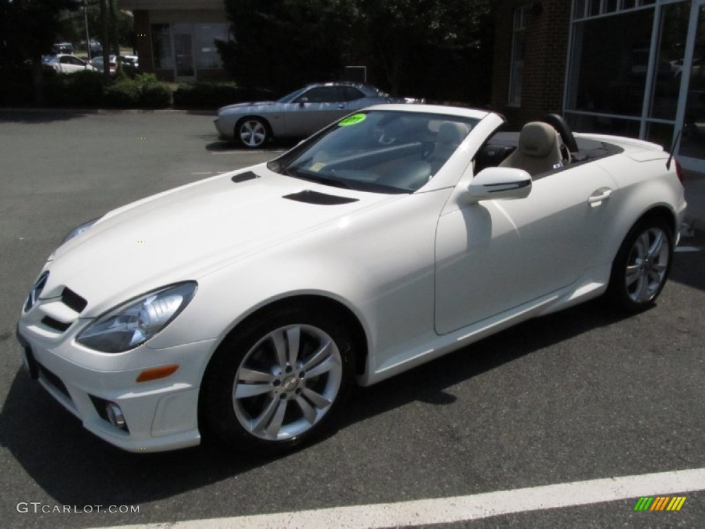 Arctic white 2011 mercedes benz slk 300 roadster exterior for Mercedes benz genuine polar white touch up paint code 149