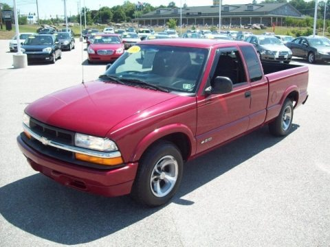 1998 Chevrolet S10 LS Extended Cab Data, Info and Specs