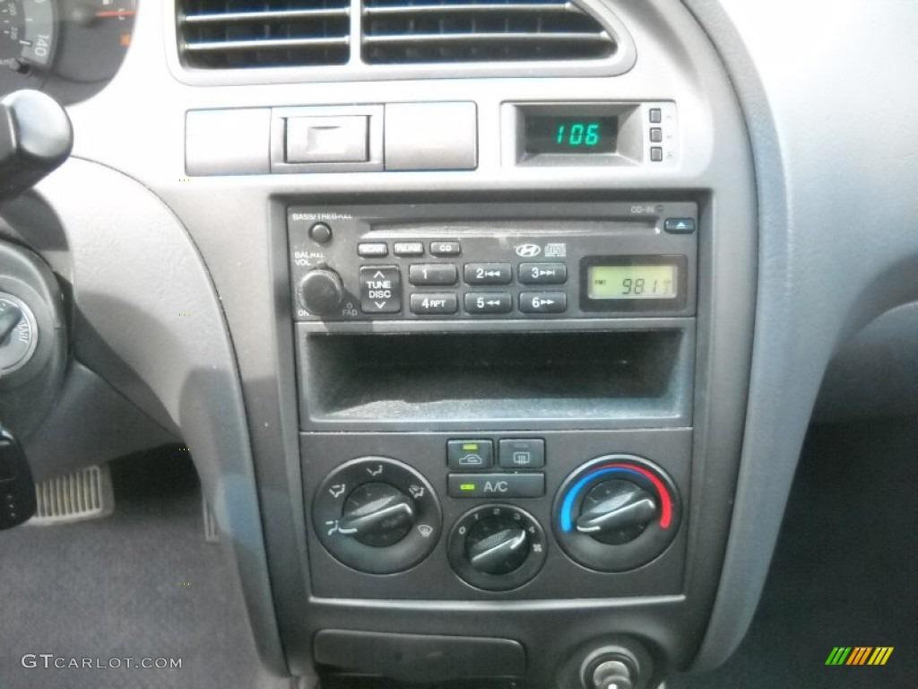 2002 Hyundai Elantra Gt Hatchback Controls Photos