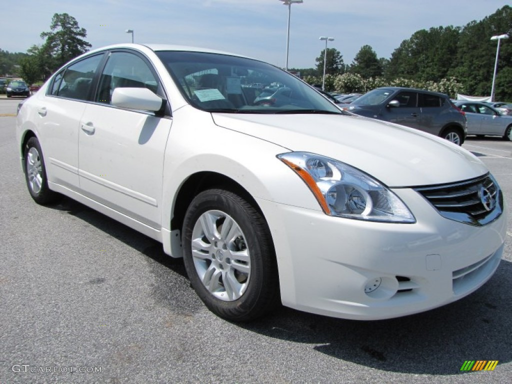 2012 nissan altima white
