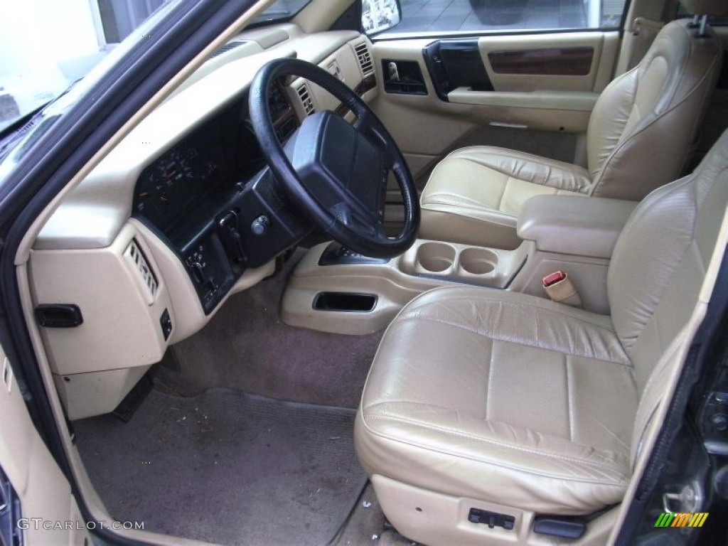 Tan Interior 1995 Jeep Grand Cherokee Limited Photo