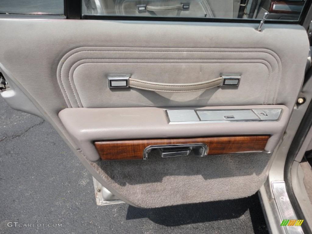 1990 Ford Ltd Crown Victoria Standard Ltd Crown Victoria Model Grey Door Panel Photo 52632941