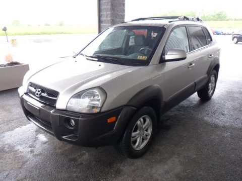 2006 hyundai tucson gls v6 4x4 data info and specs. Black Bedroom Furniture Sets. Home Design Ideas