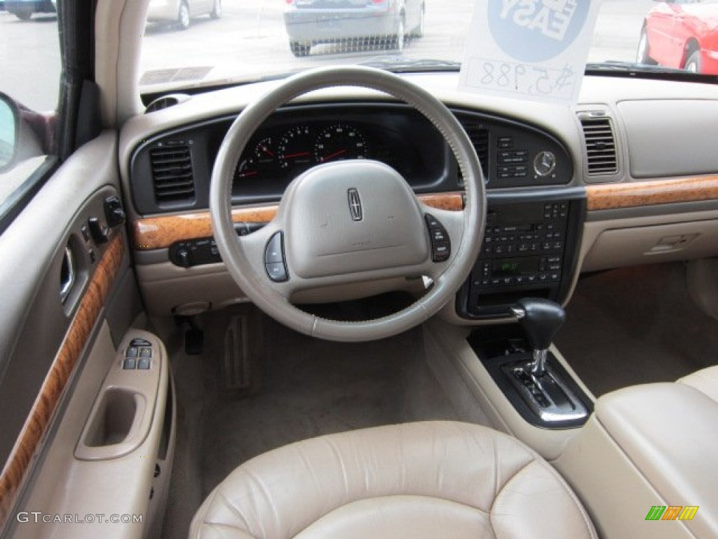 2000 Lincoln Continental Standard Continental Model Medium