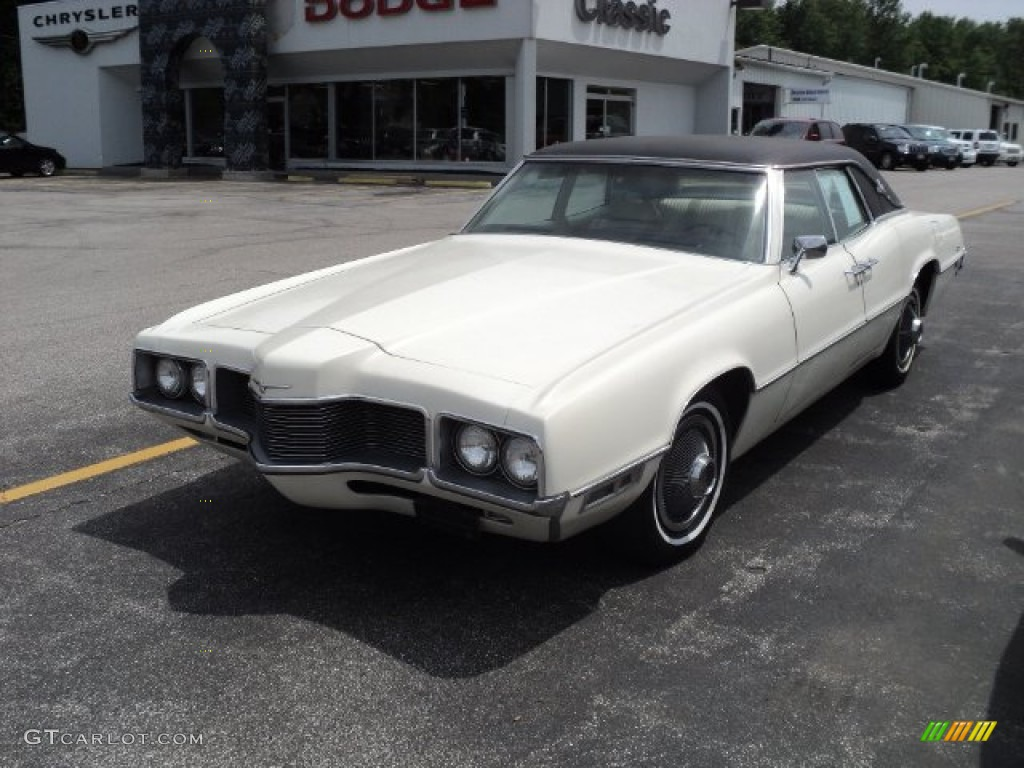 1970 white ford thunderbird coupe 52688187. Black Bedroom Furniture Sets. Home Design Ideas