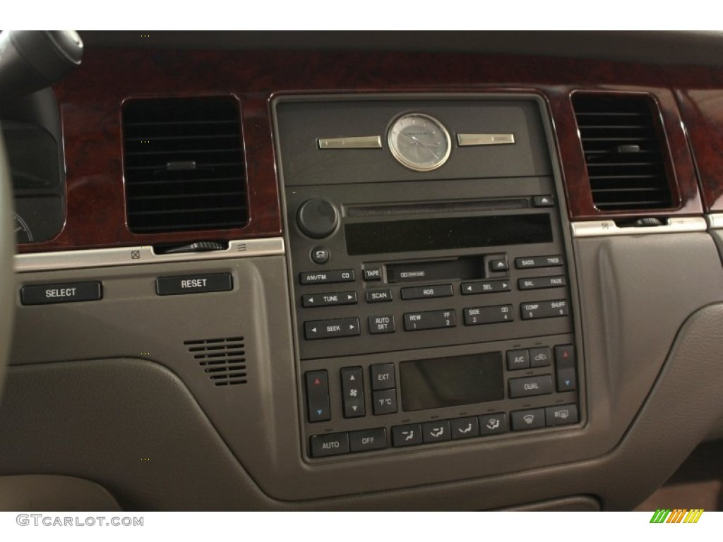 2003 lincoln town car executive controls photo 52718526. Black Bedroom Furniture Sets. Home Design Ideas