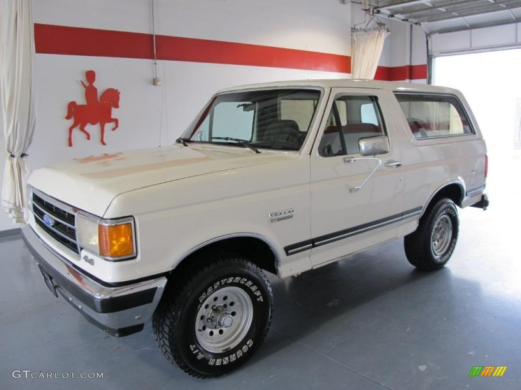 White ford bronco