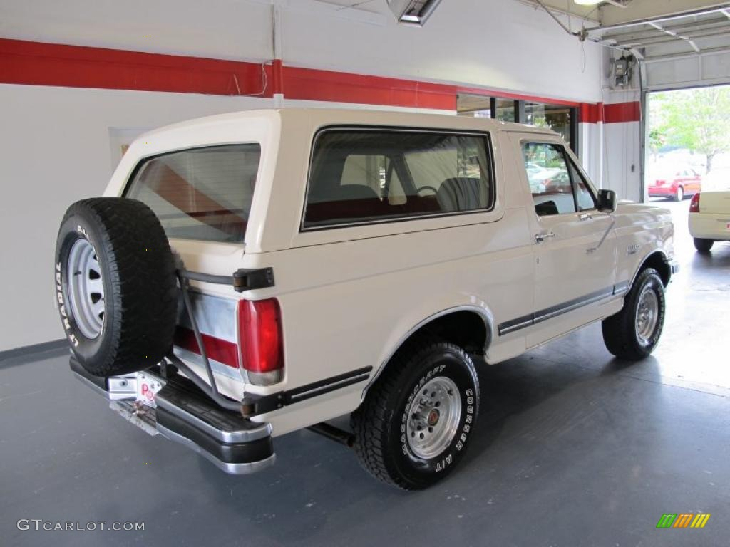 White 1990 ford bronco xlt 4x4 exterior photo 52740324