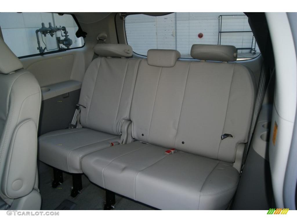 2011 Sienna XLE AWD - Silver Sky Metallic / Light Gray photo #11