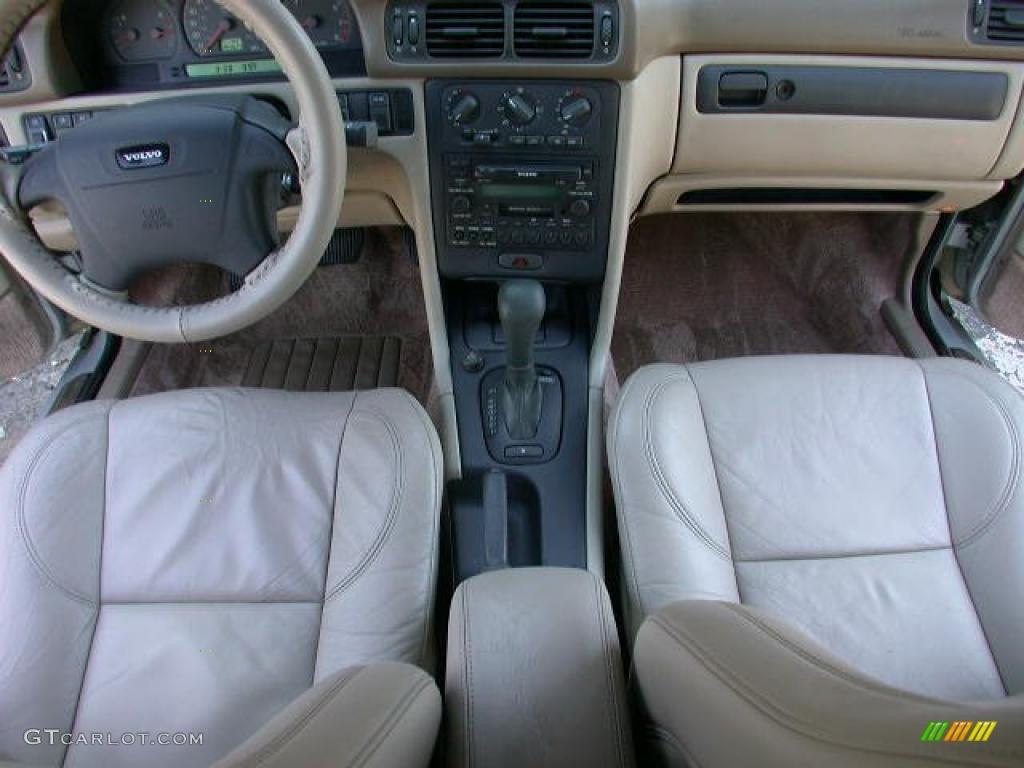 Beige Interior 2000 Volvo C70 Lt Convertible Photo 52765996