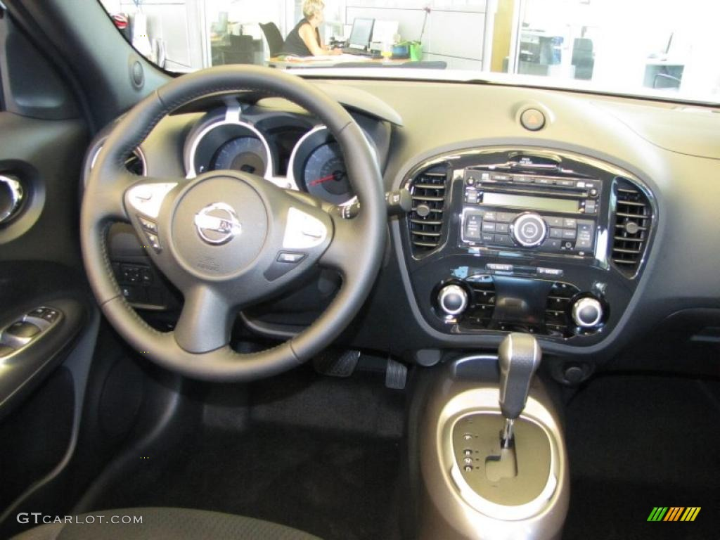 2011 nissan juke sv xtronic cvt automatic transmission photo 52787984. Black Bedroom Furniture Sets. Home Design Ideas