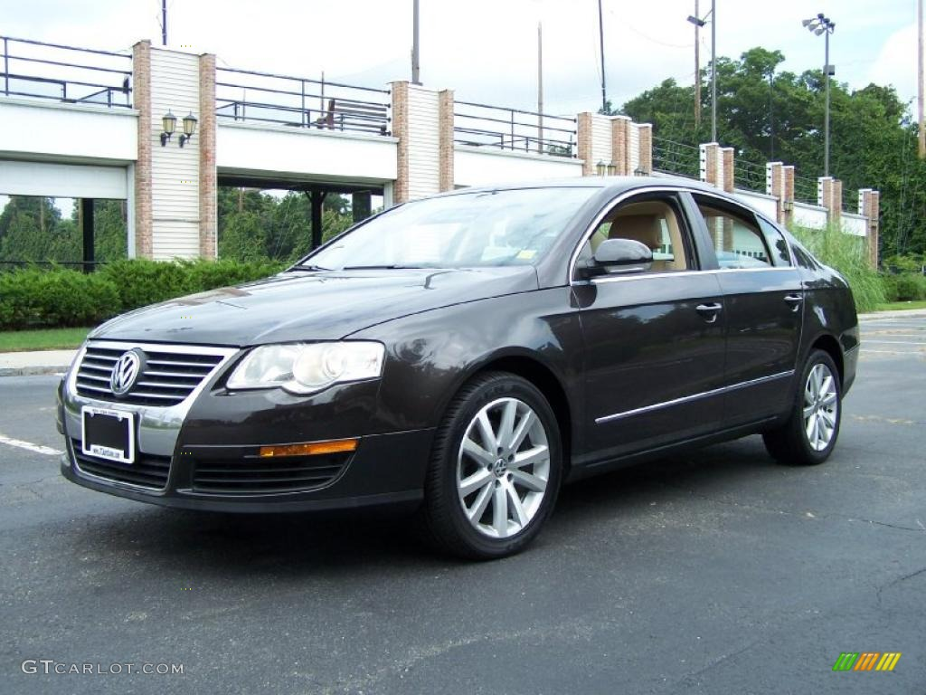 2006 mocha brown volkswagen passat 3 6 sedan 52725219. Black Bedroom Furniture Sets. Home Design Ideas
