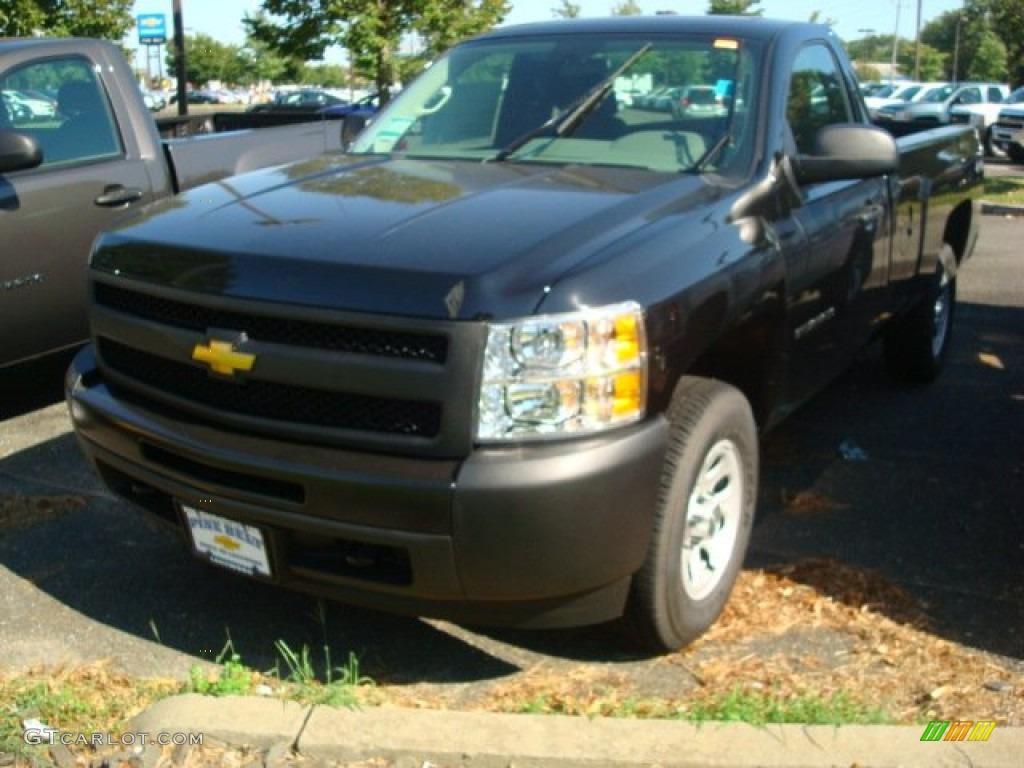 2011 Silverado 1500 Regular Cab 4x4 - Black / Dark Titanium photo #1