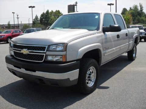 2005 chevrolet silverado 2500hd ls crew cab 4x4 data info and specs. Black Bedroom Furniture Sets. Home Design Ideas
