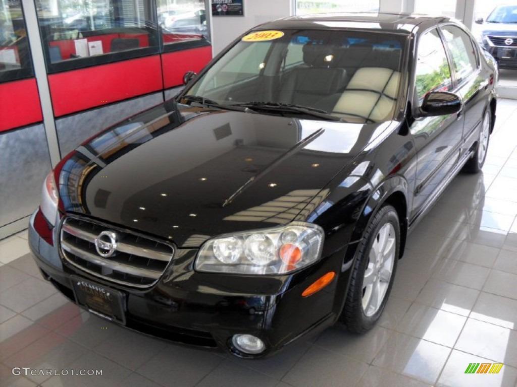 Super Black Nissan Maxima. Nissan Maxima GLE