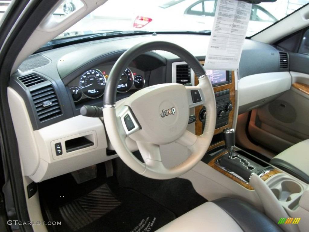 Dark slate gray light graystone interior 2010 jeep grand - 2010 jeep grand cherokee interior ...