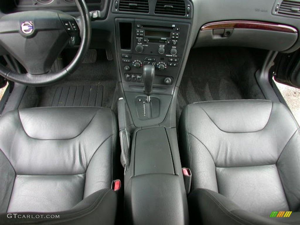 Graphite Interior 2004 Volvo S60 2 5t Photo 52949268