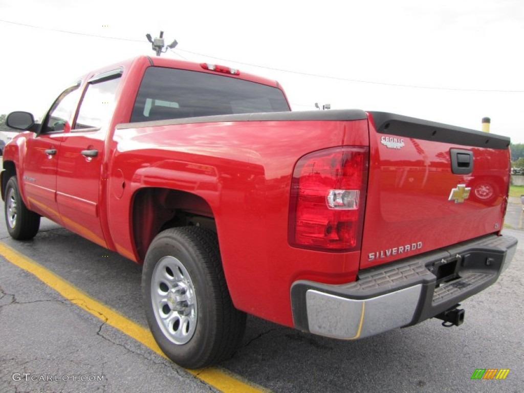 2009 Silverado 1500 LS Crew Cab - Victory Red / Dark Titanium photo #5