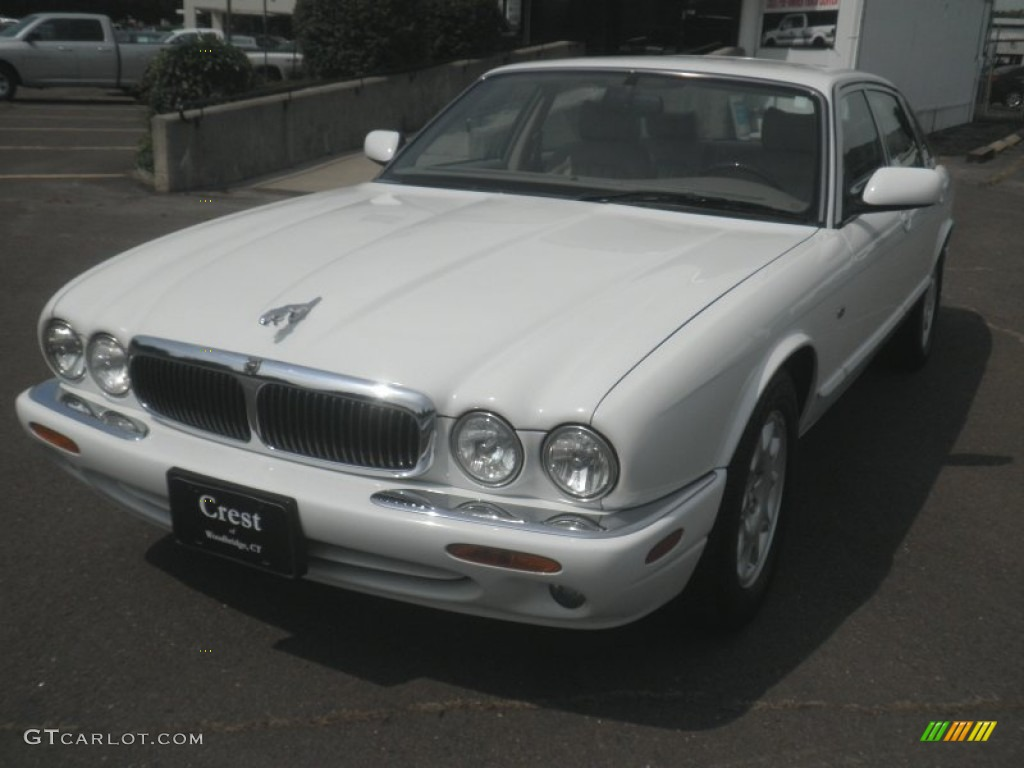 1998 XJ XJ8 - Spindrift White / Oatmeal photo #1