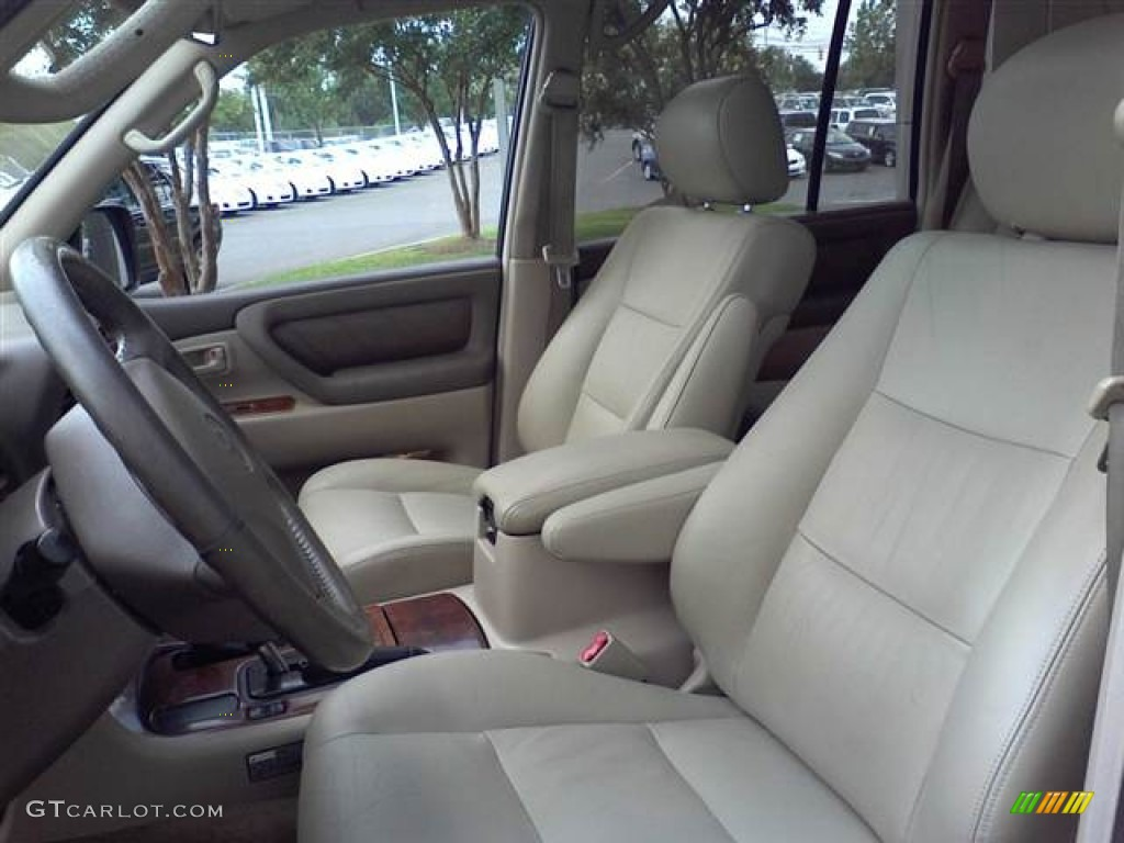 Get last automotive article 2015 lincoln mkc makes its for Toyota land cruiser interior
