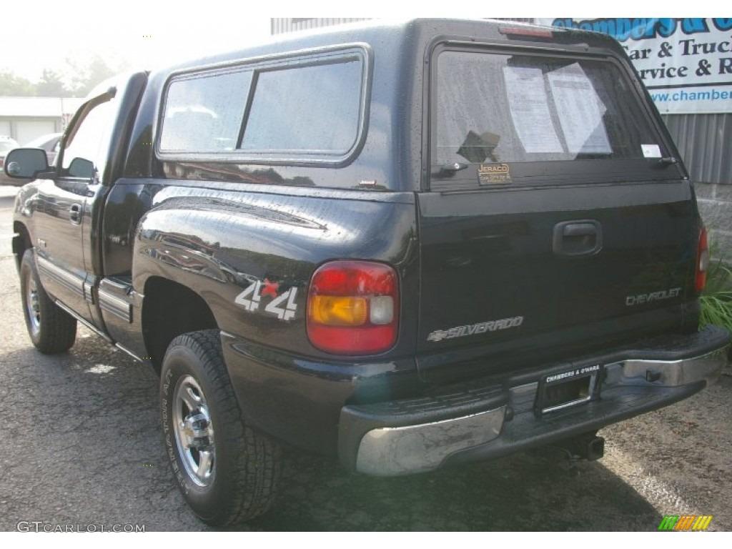 2002 Silverado 1500 LS Regular Cab 4x4 - Onyx Black / Graphite Gray photo #5