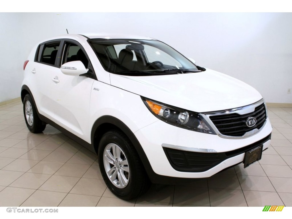 2011 clear white kia sportage lx awd 53171949 gtcarlot. Black Bedroom Furniture Sets. Home Design Ideas