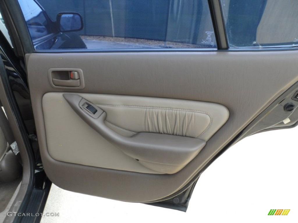1996 toyota camry le sedan beige door panel photo - 2000 toyota solara interior door handle ...