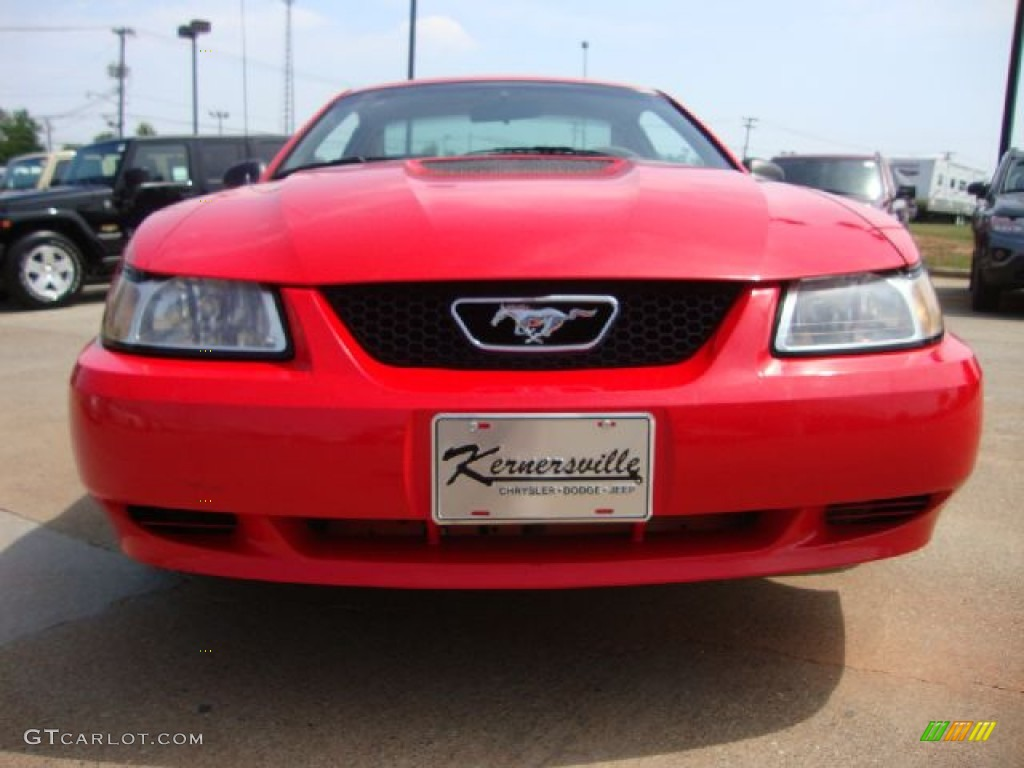 2000 Mustang V6 Coupe - Performance Red / Medium Parchment photo #8