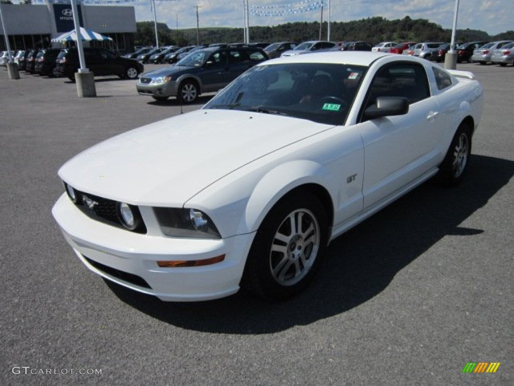 performance white 2005 ford mustang gt premium coupe exterior photo 53295132. Black Bedroom Furniture Sets. Home Design Ideas