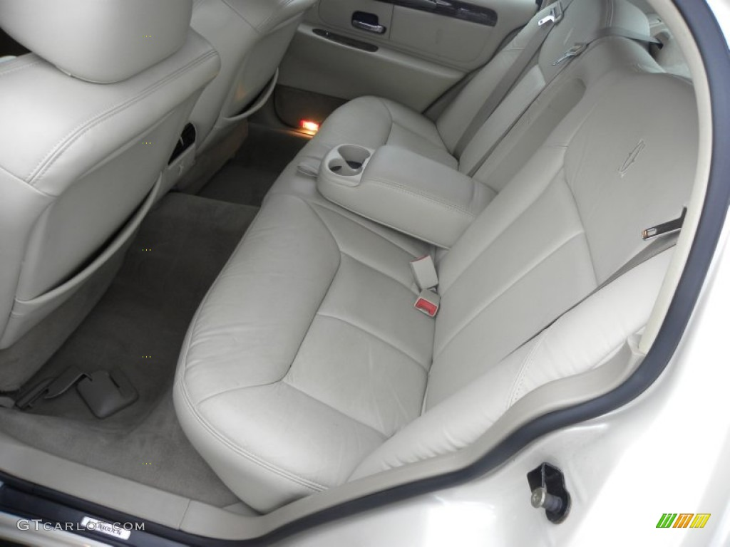 2002 lincoln town car cartier interior photo 53327011. Black Bedroom Furniture Sets. Home Design Ideas
